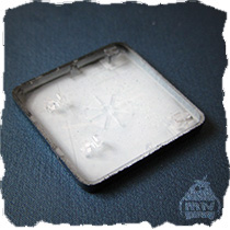 Крепление кнопки MacBook