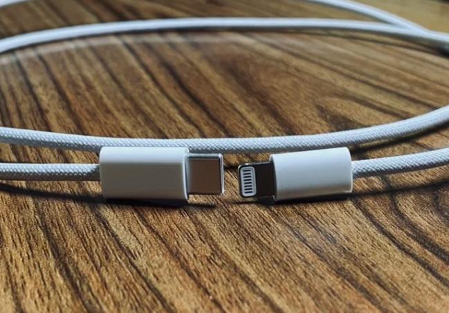 Новый кабель Lightning