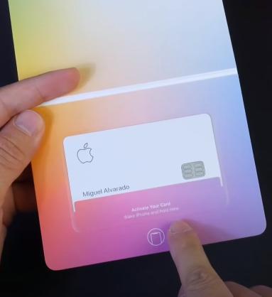 Физическая Apple Card