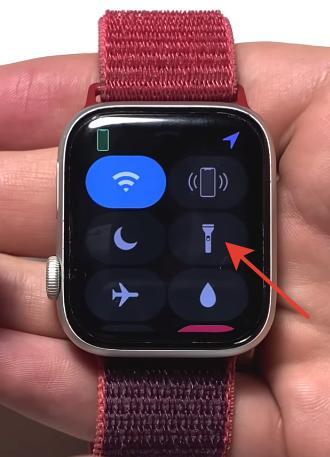 Фонарик в Apple Watch