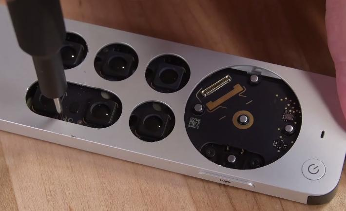 Разбор пульта Apple TV