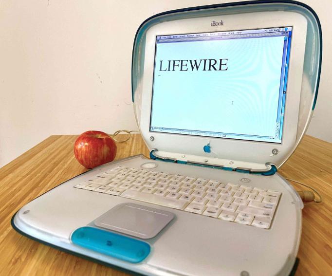 Ноутбук iBook G3